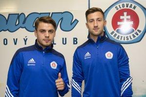 Andraž Šporar (vpravo) a Arťom Suchockij (vľavo), nové posily bratislavského Slovana.
