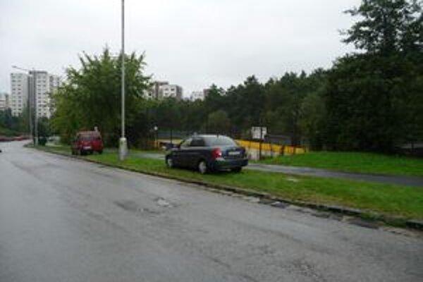 Na Rudohorskej ulici pribudne pozdĺžne parkovanie.