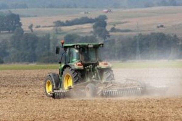 Ani počas najbližších dní sa nedá čakať výdatnejší dážď, priebeh jesenných prác to sťaží