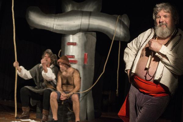 Záber z predstavenia Don Quichot a Sancho Panza.