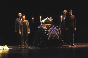 Posledná rozlúčka s Vladimírom Bartoňom na scéne Divadla Andreja Bagara.