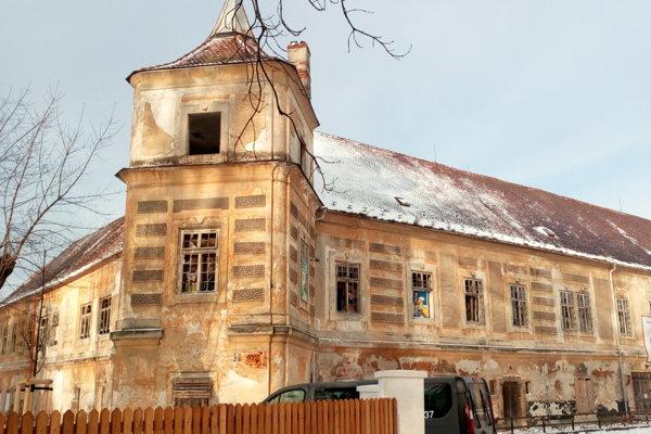 Kaštieľ v Jablonici má byť do roku 2025 kompletne zrekonštruovaný.
