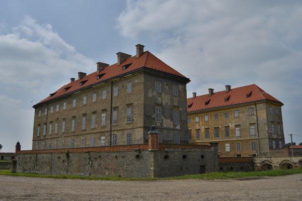 Koniareň holíčskeho zámku dostala dotáciu od ministerstva kultúry.