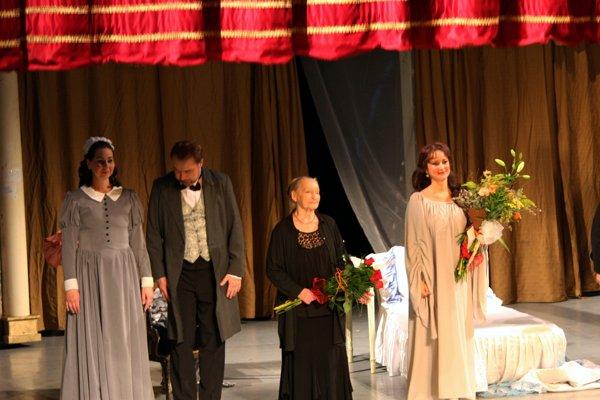 Stá repríza v roku 2015. Nechýbala na ňom Božena Hanáková (tretia zľava).