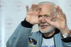 Buzz Aldrin sa blíži k deväťdesiatke.