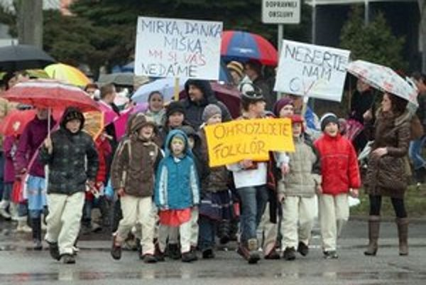 Protestujúci Detvania.