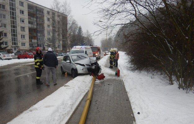 Nehoda na sídlisku.