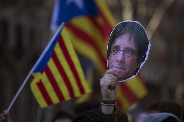 Puigdemont má v Katalánsku stále množstvo priaznivcov.