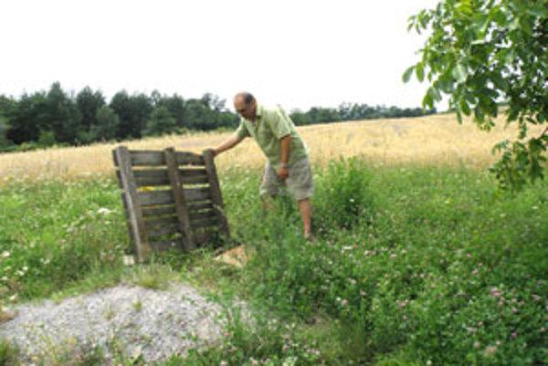 Pavel Lopušník sa snažil vodu nájsť, no márne. V okolí domu má štyri hlbinné vrty.