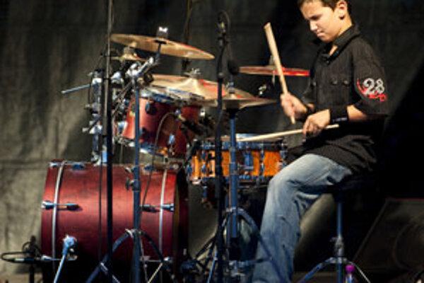 Výrazný Davidov talent si všimol aj uznávaný basgitarista Juraj Griglák.