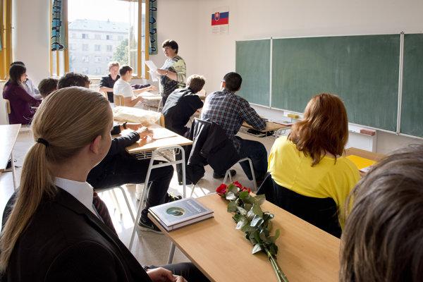 Žiaci septimy z osemročného gymnázia na Grösslingovej ulici.