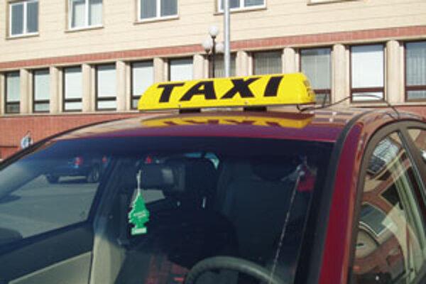 Taxikári vo Zvolene čakajú, že mesto navrhovanú cenu zníži.