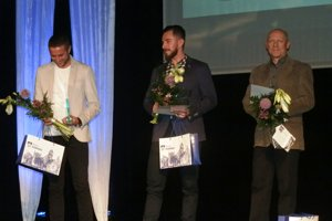 Trojica najlepších športovcov vkategórii dospelých – zľava Šesták, Svitana aHámor.