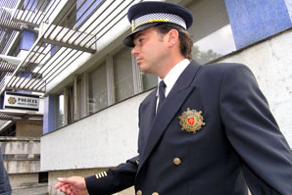 Juraj Družbacký už zrejme nadobro policajnú uniformu odložil.