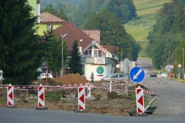 Križovatka ciest v Hriňovej.