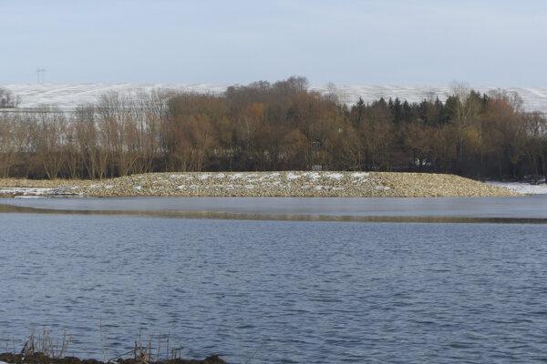 Mesto sa zameria tento rok na vybudovanie pieskovej pláže na Kunovskej priehrade.