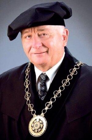 DekanSJF TUKE: Dr.h.c. mult. prof. Ing. FRANTIŠEK TREBUŇA, CSc.