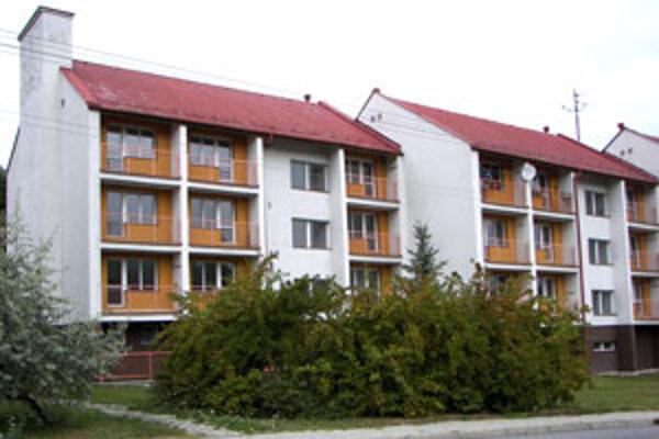 Z tridsiatich bytov sú obsadené štyri.