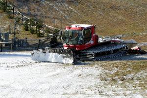 V lyžiarskych strediskách čakajú na ochladenie, aby mohli začať so zasnežovaním.