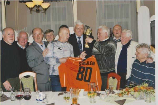 Zlatý klinec osláv. A. Švajlenovi blahoželali športoví súpútnici.