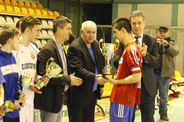 Pred rokom organizátori blahoželali víťazom z PFA Vráble.