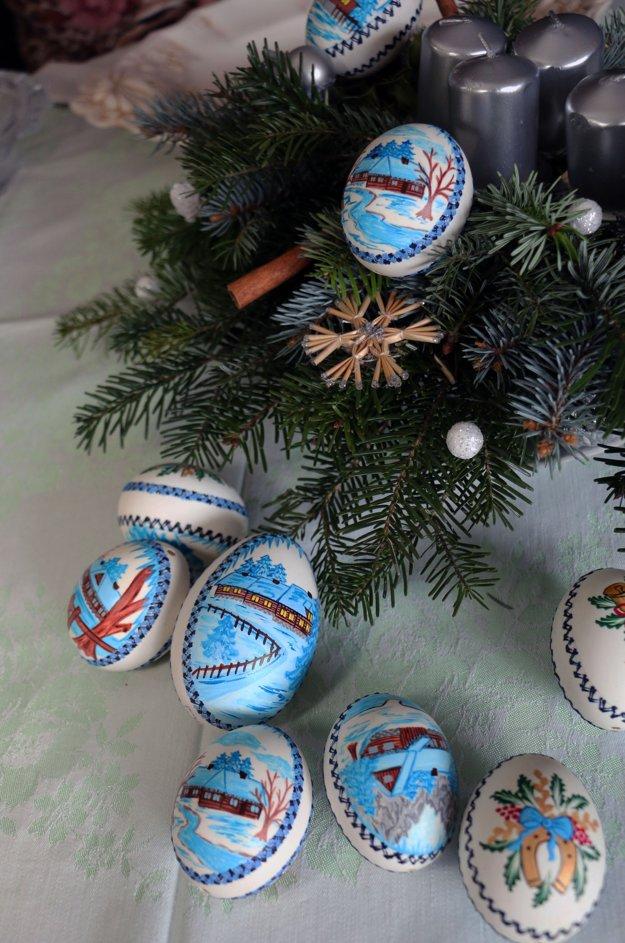 Vianočné kraslice vytvára Ľudmila Bátorová.