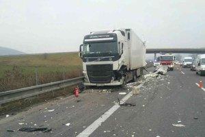 Nehoda kamiónov pri Ivanovciach.