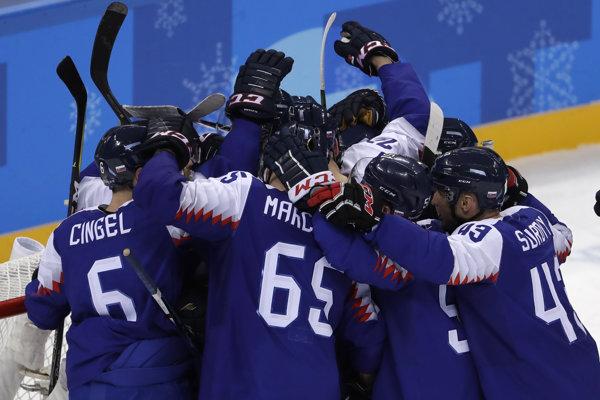 Hokejisti porazili Rusov.