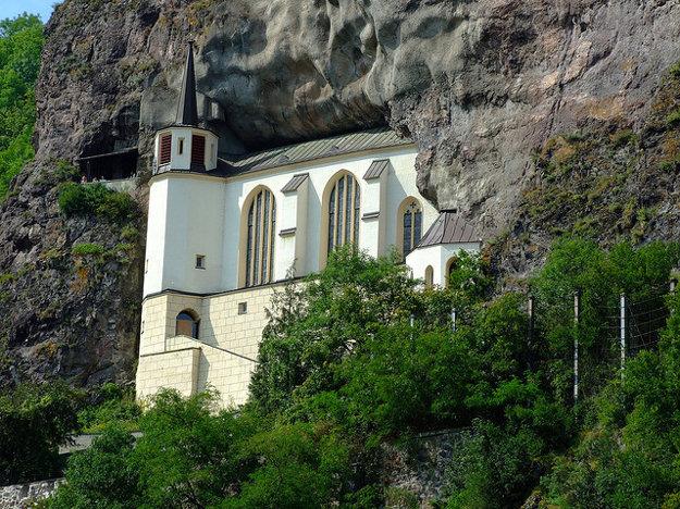 Nemecko. Felsenkirche