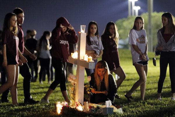 V americkej škole, kde vo februári zahynulo 17 ľudí, sa začal nový školský rok