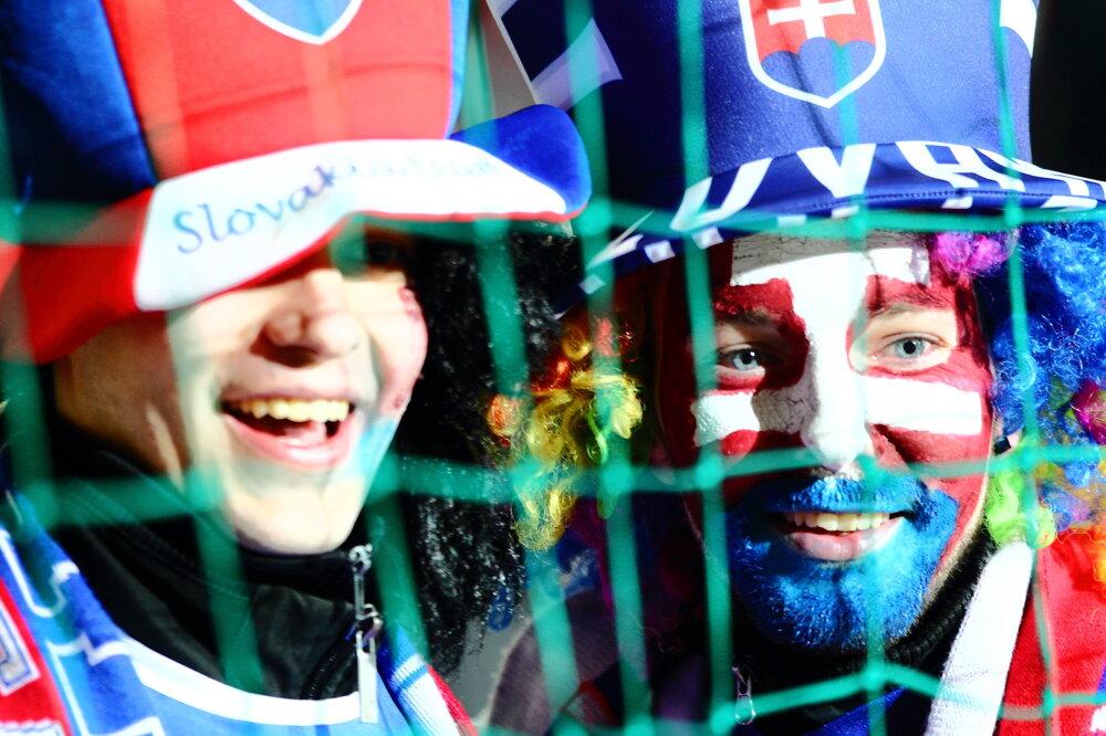 Slovenskí fanúšikovia počas priateľského zápasu medzi Slovenskom a Českom.