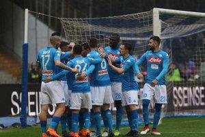 Futbalisti SSC Neapol zdolali nováčika najvyššej talianskej súťaže S.P.A.L. 2013.
