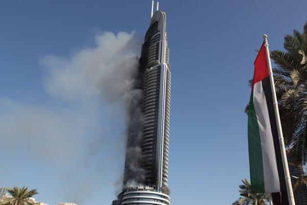 Horiaci hotel v Dubaji.