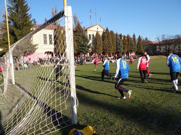 Štvrtý gól strieľa Tomáš Ďubek