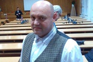 Andrej Šust.