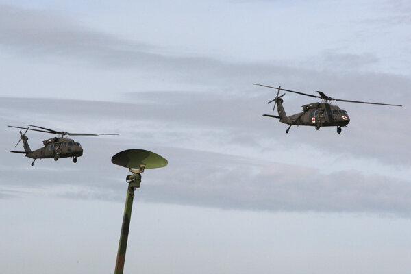 Vrtuľníky UH-60 M Black Hawk zostávajú v prevádzke.