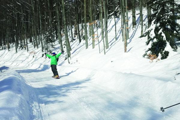 Doslova snežný raj. Cesta na Kojšovku láka aj snoubordistov.