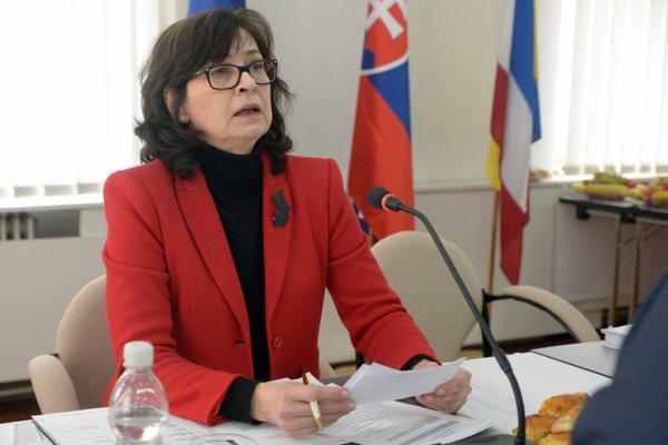 Lucia Žitňanská, podpredsedníčka vlády a ministerka spravodlivosti SR počas výjazdového rokovania 90. schôdze vlády SR na Mestskom úrade v Hnúšti.