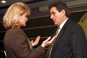 16.marca 1998. Vtedajšia ministerka zahraničných vecí Zdenka Kramplová.