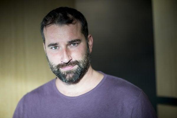 Juraj Benetin je architekt a spevák kapely Korben Dallas.