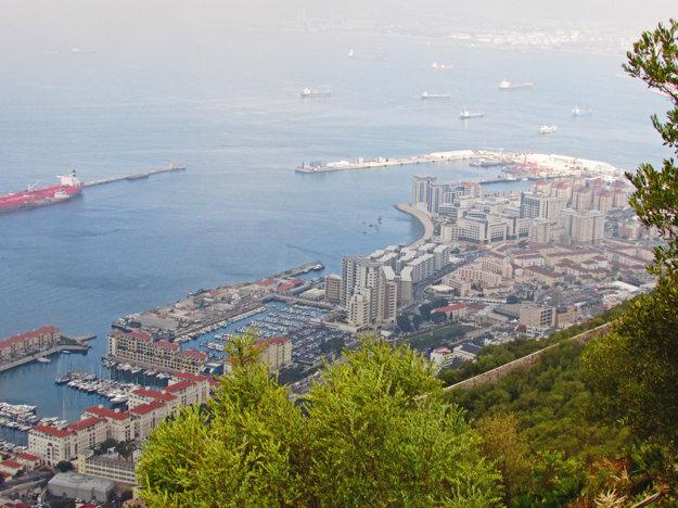 Pohľad na Gibraltár zvrchu The Rock