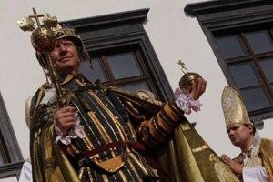 Korunovačné slávnosti v roku 2008 pripomenuli korunováciu Ferdinanda II. z 1. júla 1618. Kráľa stvárňoval Maroš Kramár.