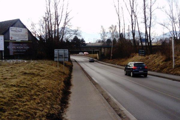 Pod železničným mostom medzi mestom a mestskou časťou sa v krátkom čase stalo viacero dopravných nehôd.