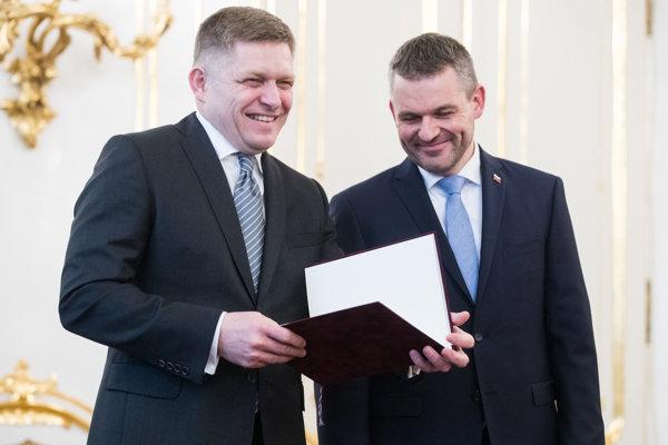 Odstupujúci premiér Robert Fico pôsobil v prezidentskom paláci uvoľnene. Novým predsedom vlády sa stal Peter Pellegrini.