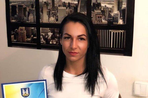 Potetovaná krídelníčka pred pár dňami získala vzácne ocenenie od primátora Michaloviec.