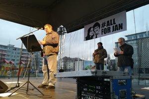 Svoje stanovisko vyjadril aj miestny klub Združenia občanov miest a obcí Slovenska prostredníctvom zástupcu Jána Štefančíka.