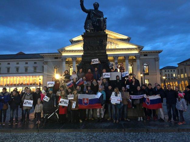 Ľudia za slušné Slovensko protestovali aj v Mníchove.