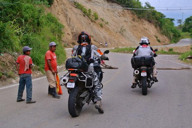 Motorkári na dvetisíc kilometrov dlhej ceste Mexikom.