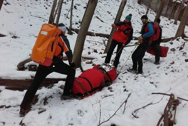 Horelezec utrpel pri páde z ľadopádu vážne zranenie.