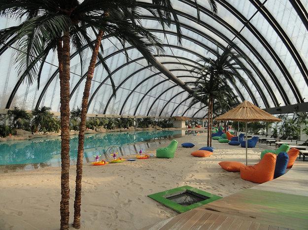 Sky Beach s pieskom dovezeným z Maldív